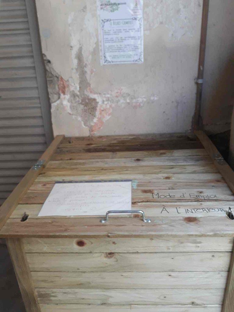 composteur citoyen installé en centre ville, appelé relais-compost